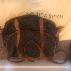 Authentic louis vuitton cross body bag w dustcover